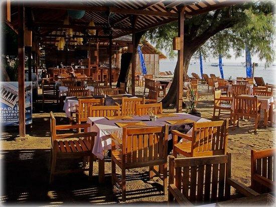 Trawangan Dive Resort : Beach Restaurant
