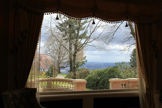 Pittock Mansion: View from Sitting room