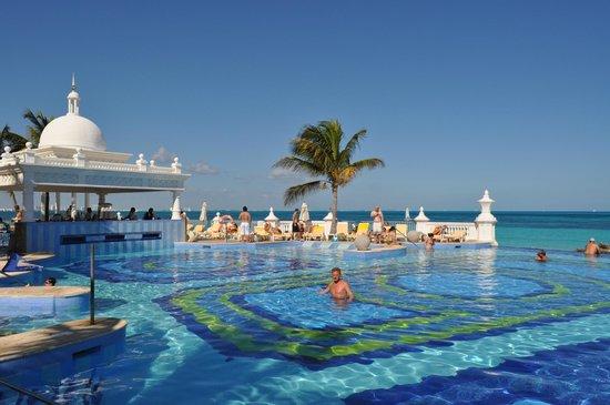 Hotel Riu Palace Las Americas: Бассейн