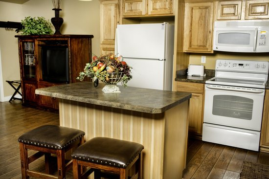 Primrose Inn and Suites: Casita Full Suite kitchen