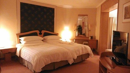 Shangri-La Hotel, Singapore : Bedroom