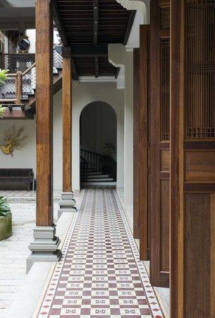 Seven Terraces: exterior of building