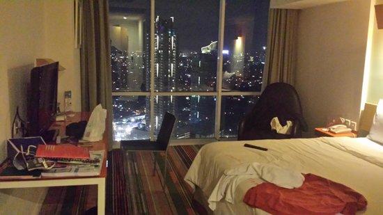 HARRIS Suites FX Sudirman: room on the 46th floor