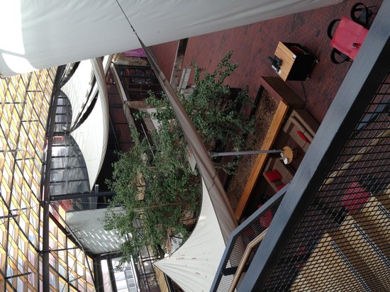 The Henry Jones Art Hotel: The atrium