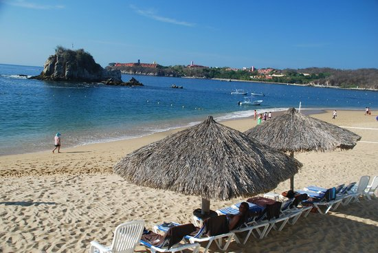 Dreams Huatulco Resort & Spa : We loved the beach