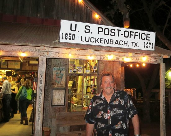 Luckenbach Texas General Store : My tourist picture!