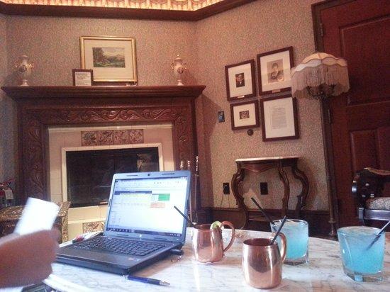 Hotel Pattee : working hard