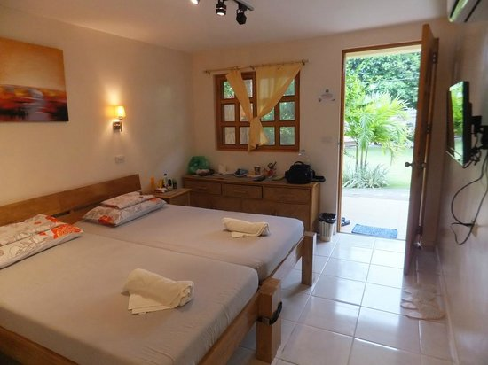 Alona42 Resort : Вид изнутри