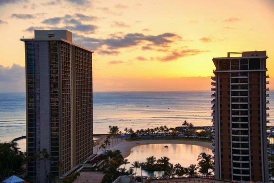 Hilton Hawaiian Village Waikiki Beach Resort Kamaaina