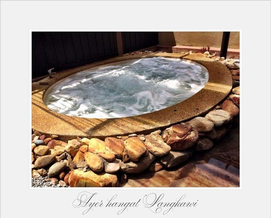Air Hangat Village : Private room and bath in spa