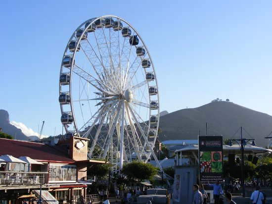 The waterfront, with all its fun places is about 15 minute's walk from the Waterfront Suites.