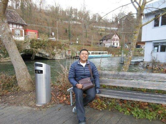 Rhine Falls : Tempat yang menarik terutama untuk photografer.