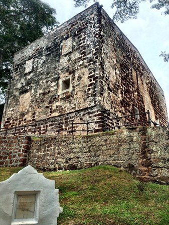 A Famosa Fort: The fortress from the grave stones