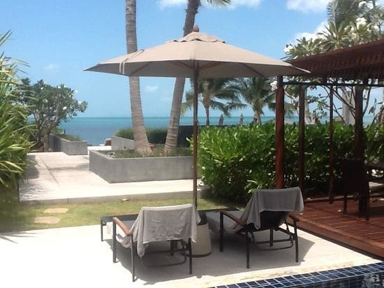 InterContinental Samui Baan Taling Ngam Resort : view from beach villa