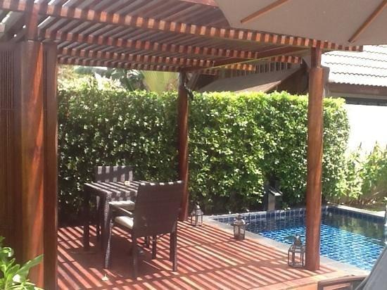 InterContinental Samui Baan Taling Ngam Resort : outdoor deck at beach villa