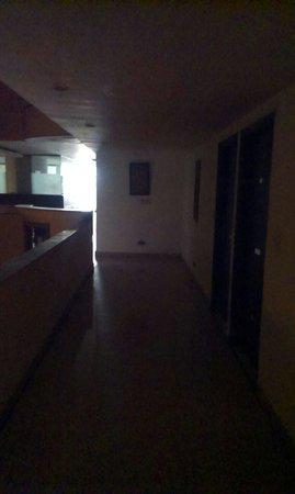 Hotel Taksonz: dark passage