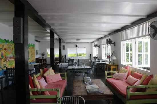 The Station Seychelles : View of dining and communal room