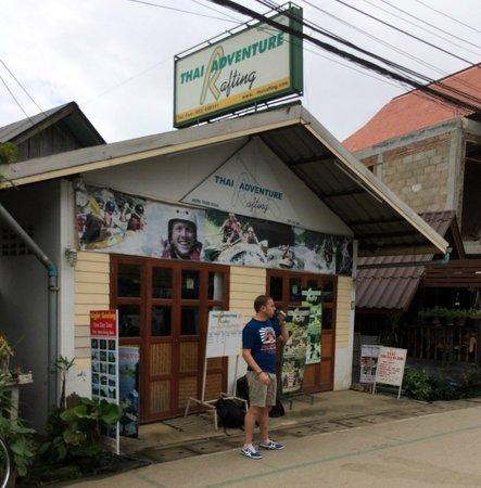 Thai Adventure Rafting - Day Tours: Les bureaux de Pai