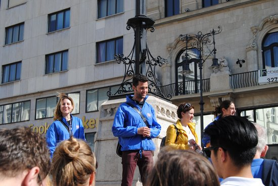 Free Budapest Walking Tours: Zoltan and the other guides in the beginning of the tour