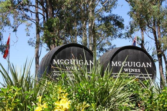 Hunter Valley Wine Tasting Tours: McGuine