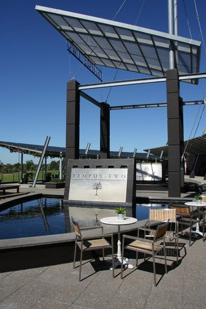 Hunter Valley Wine Tasting Tours: Tempus two