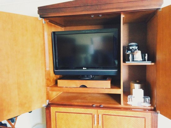 Omni Atlanta Hotel at CNN Center : TV is tucked away in a wardrobe