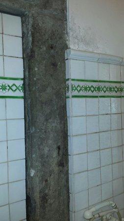 A Via dei Giubbonari 23 : Bagno privato camera tripla