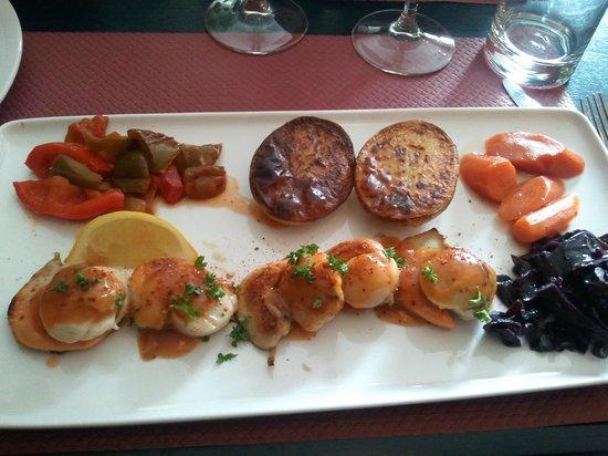 La poissonnerie : Assiette de St Jacques et ses 5 legumes