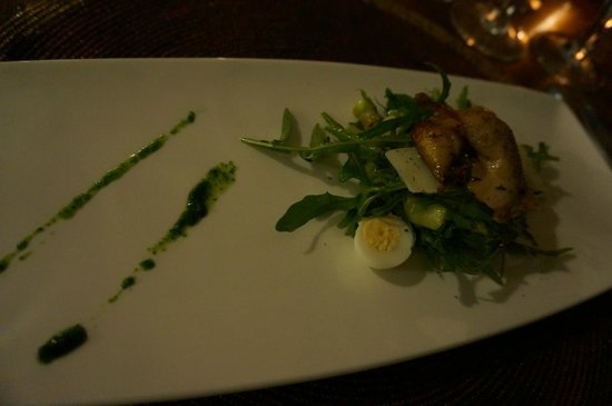 Onsea House Country Inn & Guest Cottage: Asparagus & Rocket Salad with Quail & Quail Eggs