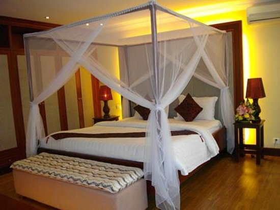 Lux Riverside Hotel & Apartments: Very comfortable bed