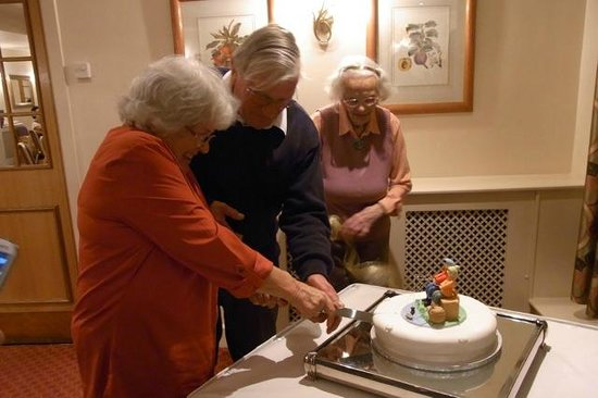 Best Western Banbury House Hotel : Cutting the Cake