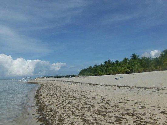 Sugar Beach Resort Bantayan: beach 2