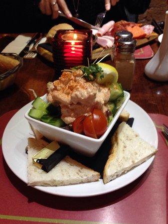 The Swan Inn: Lovely prawn cocktail
