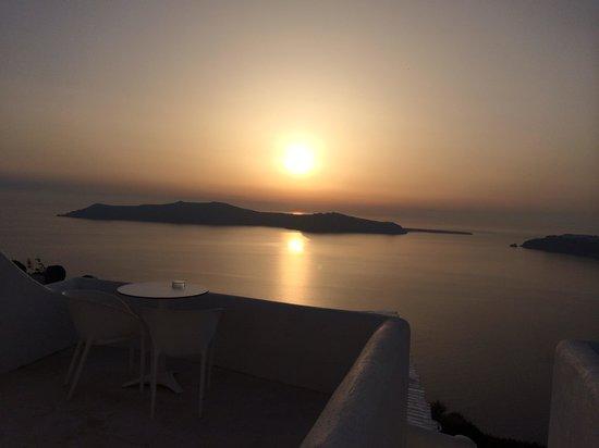 Rocabella Santorini Hotel & Spa: Rocabella santorini sunset