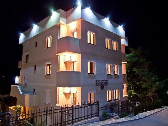 Biser Apartments