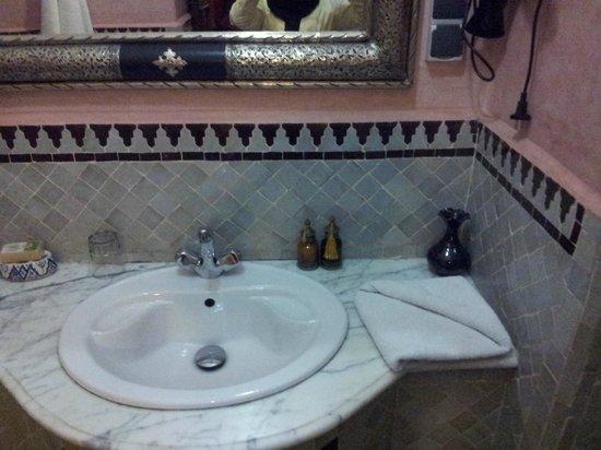 Riad Nasreen: Bathroom