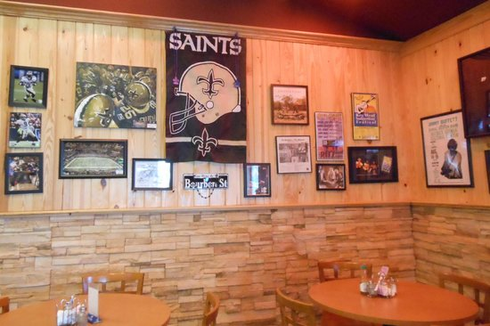The Oak's Cafe: Game Wall