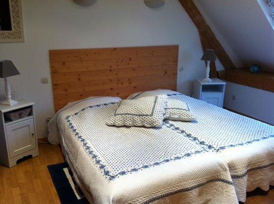 chambre 1 Picture of Le Vert Bois, Neuville sous Montreuil TripAdvisor # Hotel Le Vert Bois