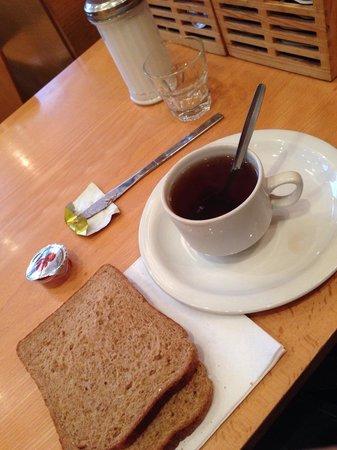 Garden View Hotel: Petit déjeuner