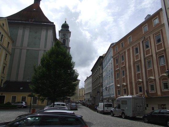 Hauptplatz : Улочка в глубине Главной площади