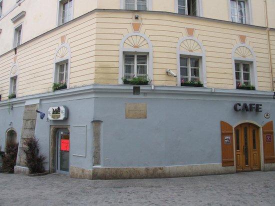 Hauptplatz : И это тоже дом Моцарта