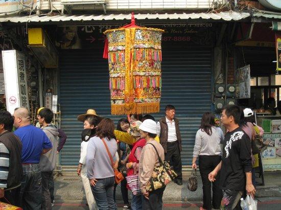 Qiming Tang : procession
