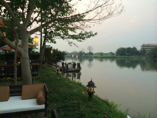 The Legend Chiang Rai : The Legend is on a beautiful serene river, the setting is amazing