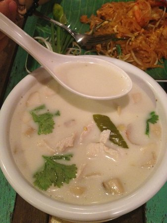Phad Thai Rock n Roll: Green curry with seafood