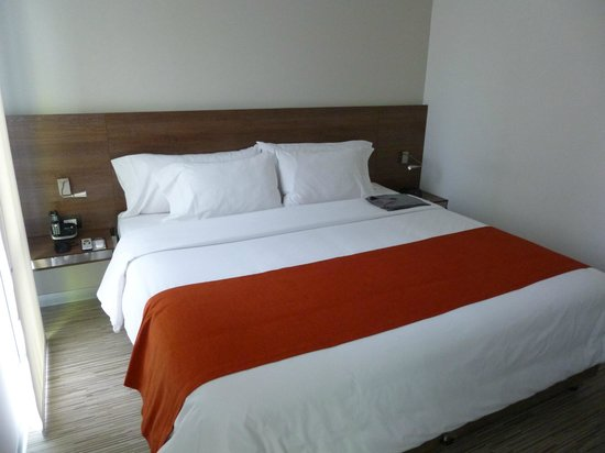 Hotel Bogota 100: Schlafzimmer