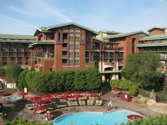 Disney's Grand Californian Hotel & Spa: 部屋からの眺め