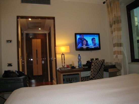 UNA Hotel Roma: Room