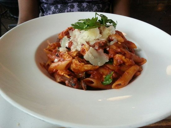 PS Cafe: Chicken penne pasta