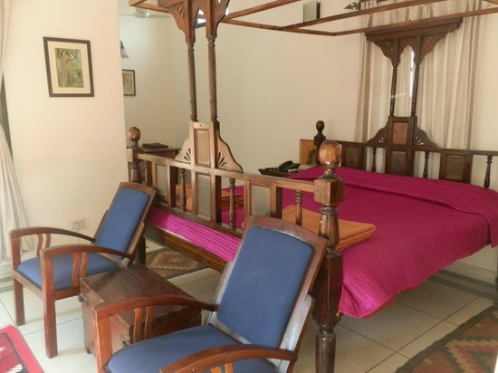 Devi Bhawan: bed/seating area/desk area