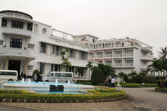 La Residence Hue Hotel & Spa - MGallery by Sofitel: Aussenansicht des Eingangsbereiches
